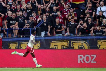 Mónaco y PSV golpean primero