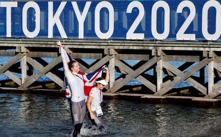 Gran Bretaña, oro en 470 femenino; plata para Polonia y bronce para Francia