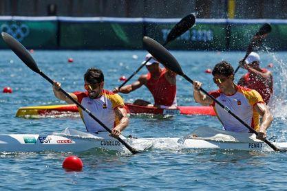 El podio olímpico esquiva al piragüismo español, que mira a su última baza