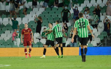 Real Betis-Roma (5-2): 'Manita' de prestigio en un duelo muy accidentado