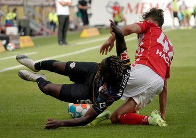 Moussa Niakhate frustra el estreno liguero del nuevo Leipzig