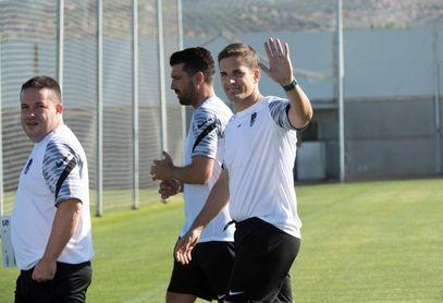 El Granada prepara la visita al Rayo Vallecano con Rochina ya en el grupo