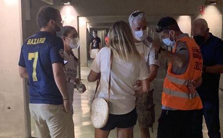 Malestar de aficionados del Betis por la presencia de madridistas en la grada