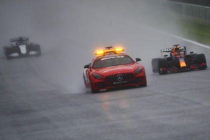Verstappen se anota el esperpento de Spa
