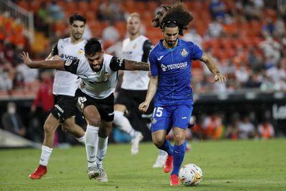Cucurella jugará en el Brighton hasta junio de 2026