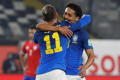 0-1. Everton Ribeiro le da un difícil triunfo a Brasil en Santiago de Chile