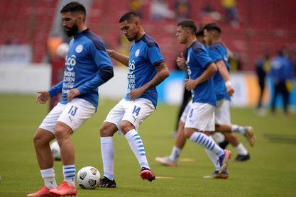 Paraguay busca despegar ante una selección colombiana en zona de repechaje