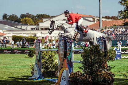 Suiza brilla y España mira al futuro en el Europeo de salto a caballo