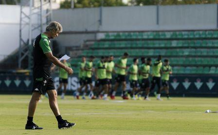 Primer entrenamiento de la semana y nueve ausencias para Pellegrini.