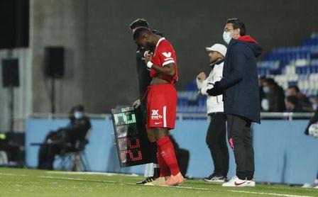 Amadou y Gnagnon podrían denunciar al Sevilla por dejarlos sin ficha.