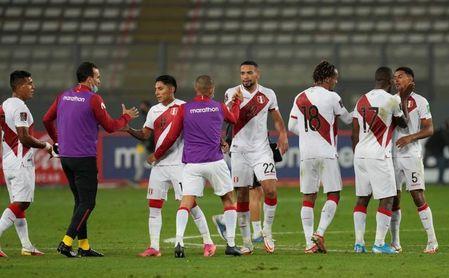 Brasil recibe a Perú con la sombra del frustrado clásico ante Argentina