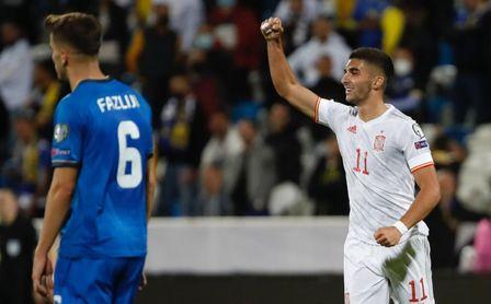 0-2: España sale del apuro con sufrimiento