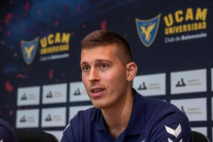 """Czerapowicz ve en el UCAM potencial para """"pelear por llegar a Europa"""""""