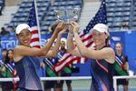 Stosur y Zhang, campeonas de dobles femenino al vencer a Gauff-McNally