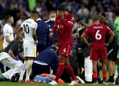 El Liverpool mantiene el pulso y pierde a Elliot