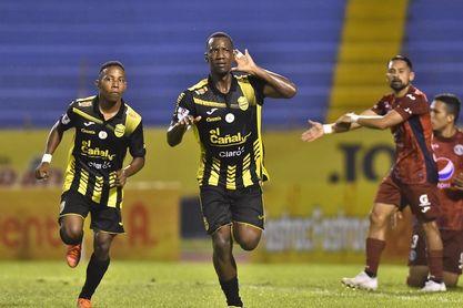 Olimpia lidera el fútbol en Honduras, pese a empatar en inicio de fecha ocho