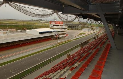 El circuito de Barcelona alberga por primera vez una carrera del mundial SBK