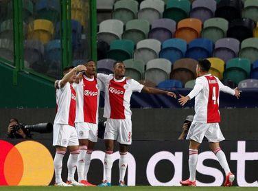 1-5. El Ajax aplasta al Sporting con póquer de Haller