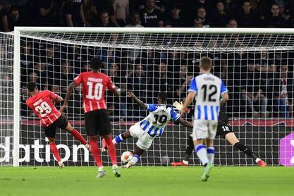 2-2. La Real Sociedad sobrevive a la batalla de Eindhoven