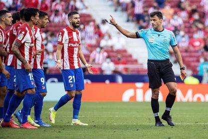 """Unai Simón: """" Con el árbitro se puede hablar , pero con respeto"""""""