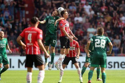 El Feyenoord propina un severo correctivo al PSV