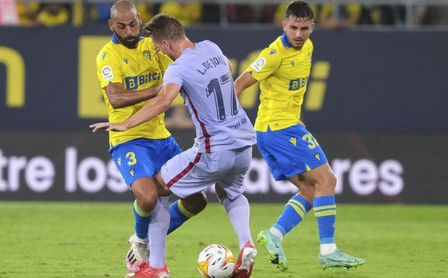 Cádiz CF 0-0 FC Barcelona: El muro amarillo expulsa a Koeman