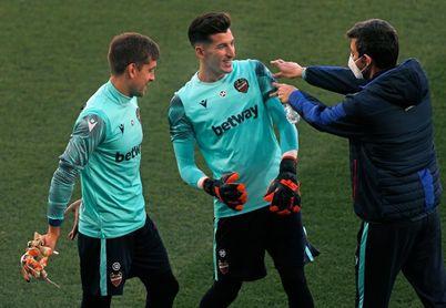 Cárdenas, baja en el Camp Nou por una lesión en el recto del muslo izquierdo