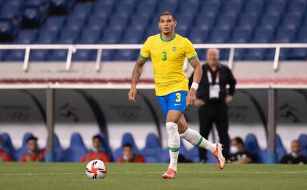 """El """"dolor de cabeza"""" de Tite, que deja a Diego Carlos fuera de la lista de Brasil y presume de centrales"""