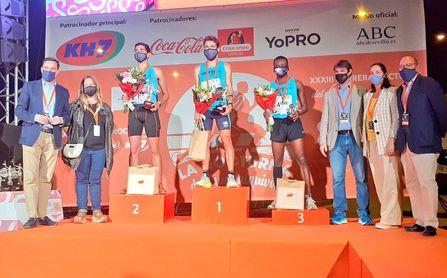 Unos 10.000 corredores participan en la Nocturna del Guadalquivir de Sevilla