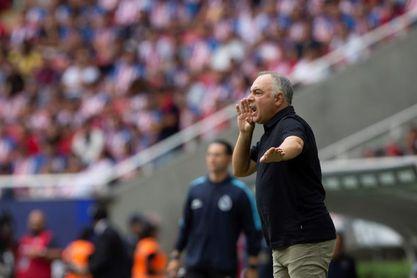 El Necaxa del fútbol mexicano despide al entrenador Guillermo Vázquez