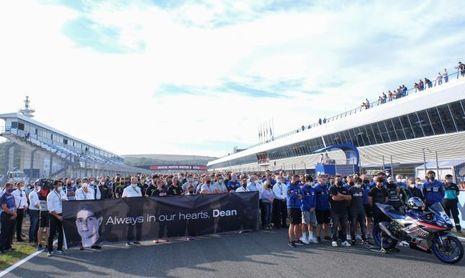 Minuto de silencio en el Circuito de Jerez en memoria de Dean Berta Viñales