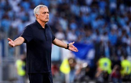El Nápoles, líder; Mourinho pierde el derbi y el Juventus vence sin convencer