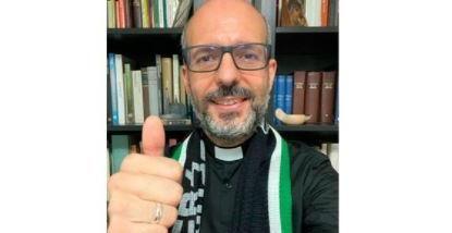 De 'supporter' del Betis a cura; la historia del padre Israel.