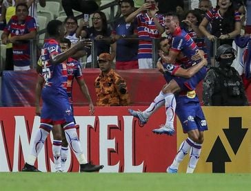 Fortaleza desaloja a Flamengo del tercer puesto puesto del 'Brasileirao'