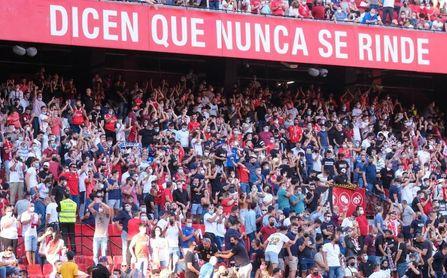 Los siete cánticos denunciados por LaLiga en los dos últimos duelos del Sevilla