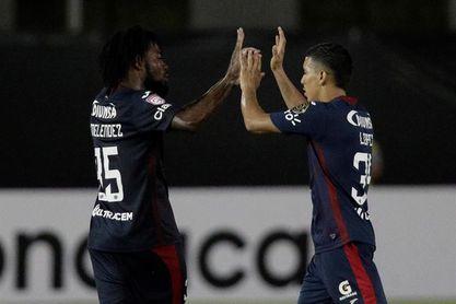 1-0. El Motagua vence al Universitario y pasa a cuartos de final