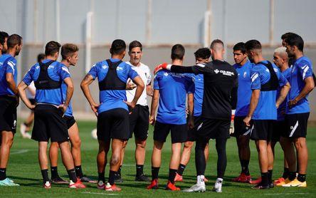 Luis Maximiano y Gonalons retarán al Sevilla