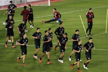Con Jiménez de regreso, México se entrena para sus partidos de eliminatoria