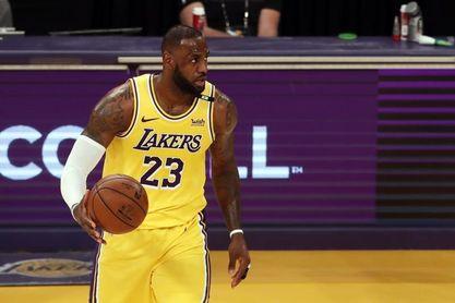 121-114. Debut perdedor de James con Westbrook ante los invictos Warriors