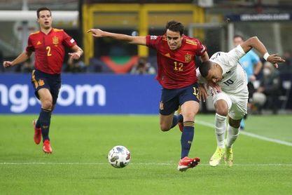 """Eric García: """"El árbitro me dice que como la toco con el taco, juego el balón"""""""