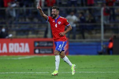Mauricio Isla mantiene viva la ilusión de Catar tras vencer Paraguay