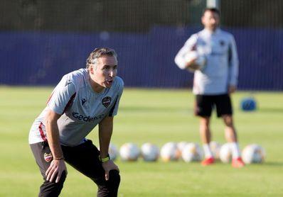 Pereira conoce a sus jugadores y dirige su primera sesión de entrenamiento