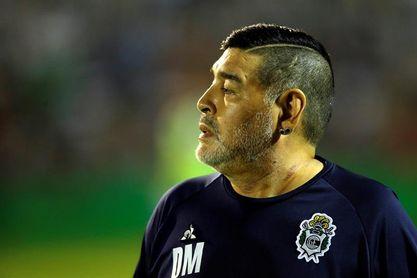 Declaran las hermanas de Maradona como testigos en la causa por la muerte del astro