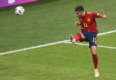 Ferran Torres sufre una pequeña fractura en el pie derecho
